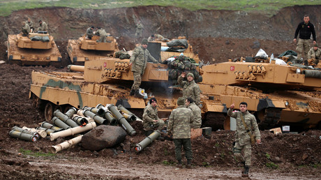 Turkish soldiers are pictured in a village near the Turkish-Syrian border in Hatay province, Turkey January 24, 2018. © Umit Bektas