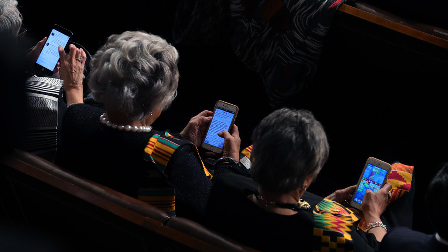 Crush to judgment? Democrats played video games, checked Twitter during State of the Union