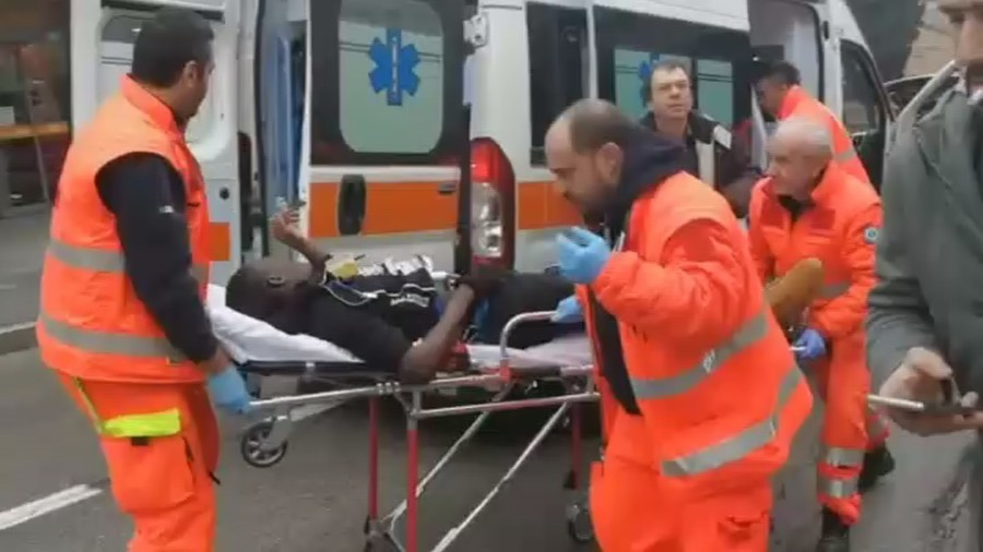 Migrants 'targeted' in Italian city shooting spree, man arrested (VIDEO)