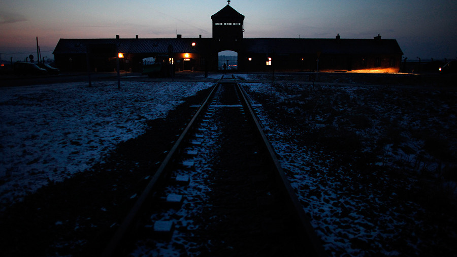Polish ruling party leader calls on president to sign 'misunderstood' Holocaust-related bill