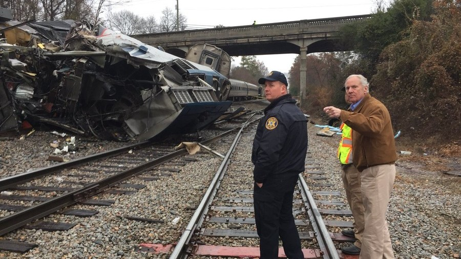 2 dead, 100+ injured as passenger and freight trains collide in South Carolina