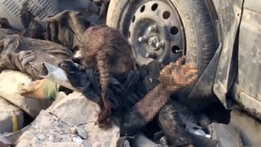 Girl in the rubble: Horrific image tells story of tragedy & neglect in liberated Mosul