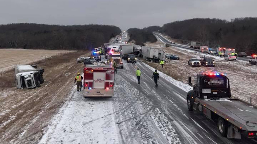 Highway havoc: 100-vehicle pile-up sparks carnage in icy Missouri (VIDEO)