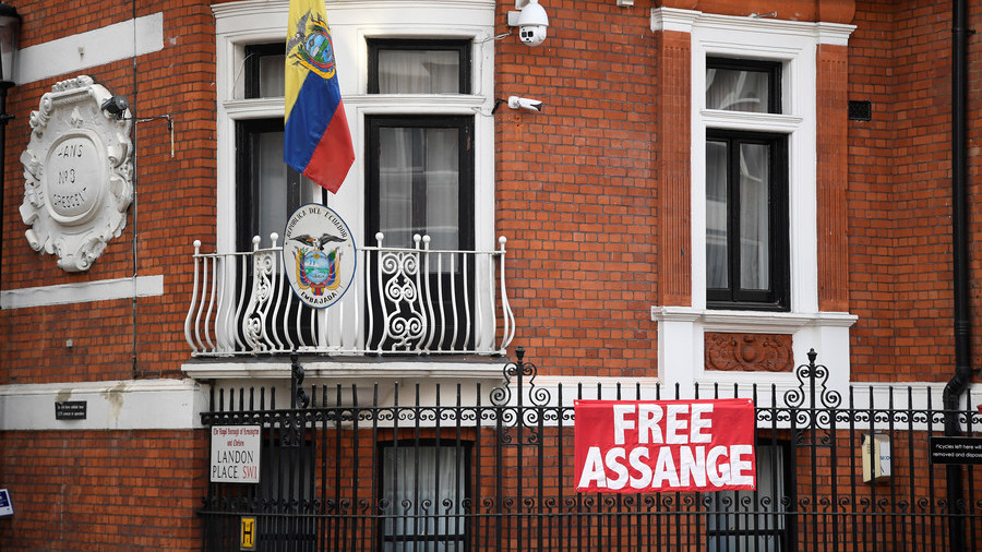 'White powdery substance' delivered to Assange at Ecuadorian embassy