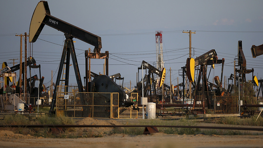 Oil prices sink in American crude as US production surges to 40yr high