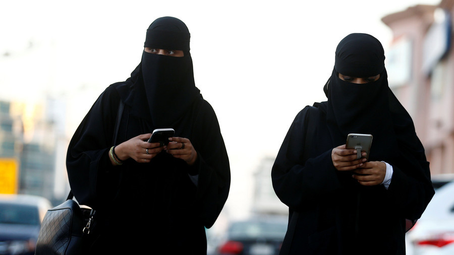 Saudi women need not wear Abayas, top cleric in Saudi says By