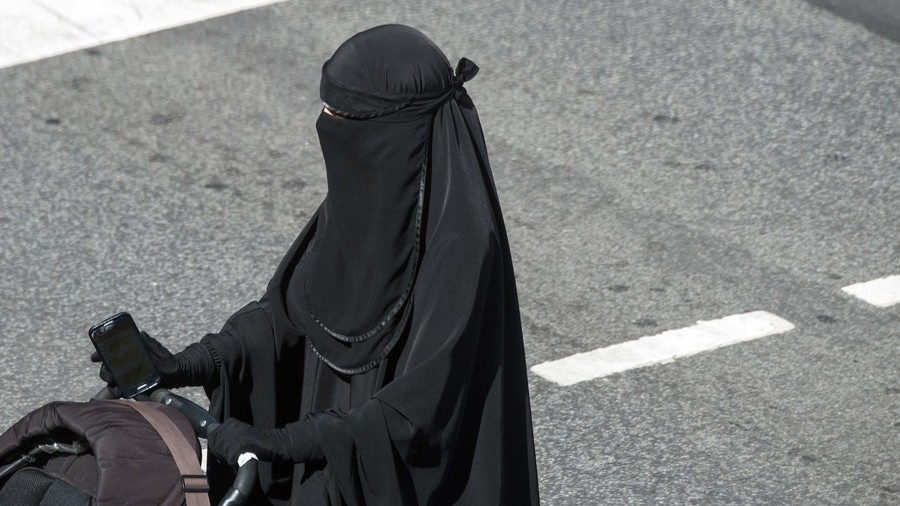Scout of order: Troop leader sacked for comparing niqab-wearing Muslim colleague to Darth Vader