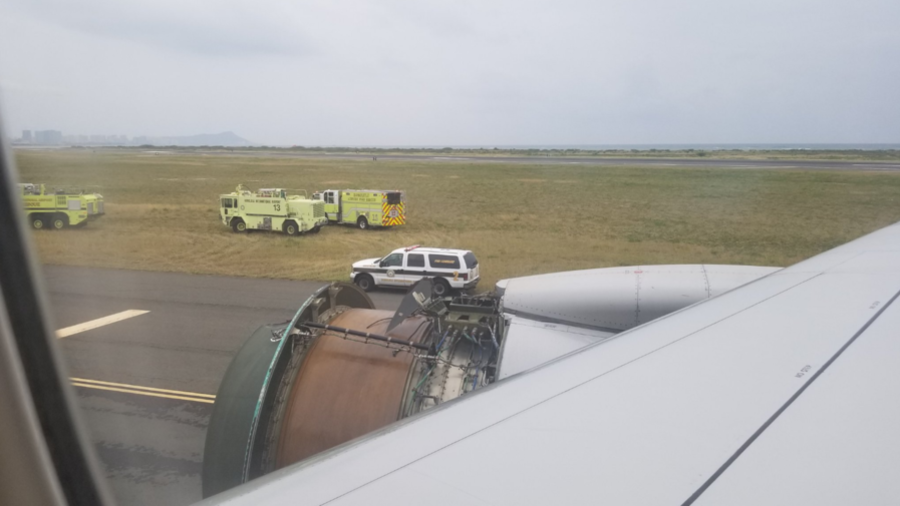 United Airlines jet makes emergency landing in Honolulu after engine blows out (IMAGES, VIDEO)