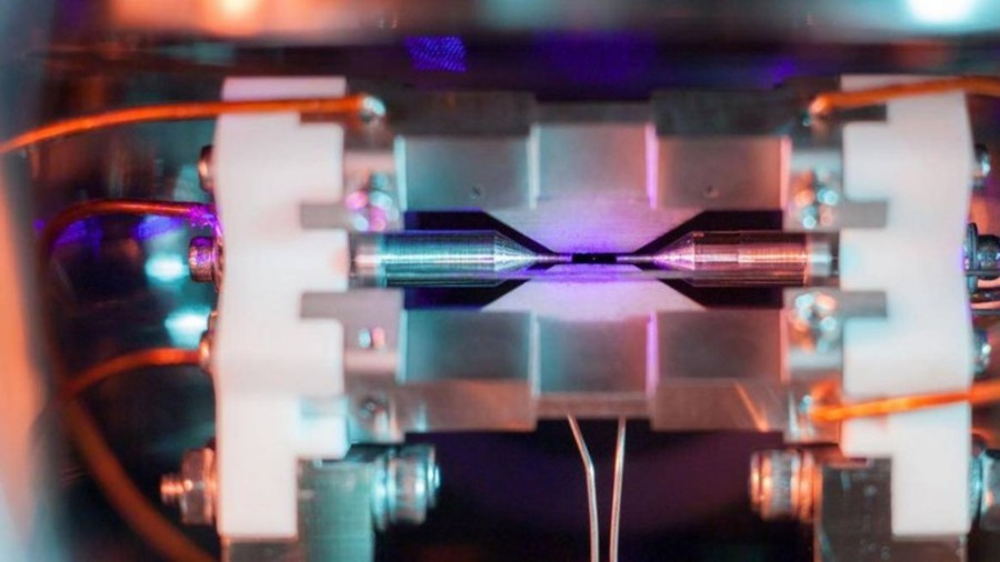 British student captures single atom on film