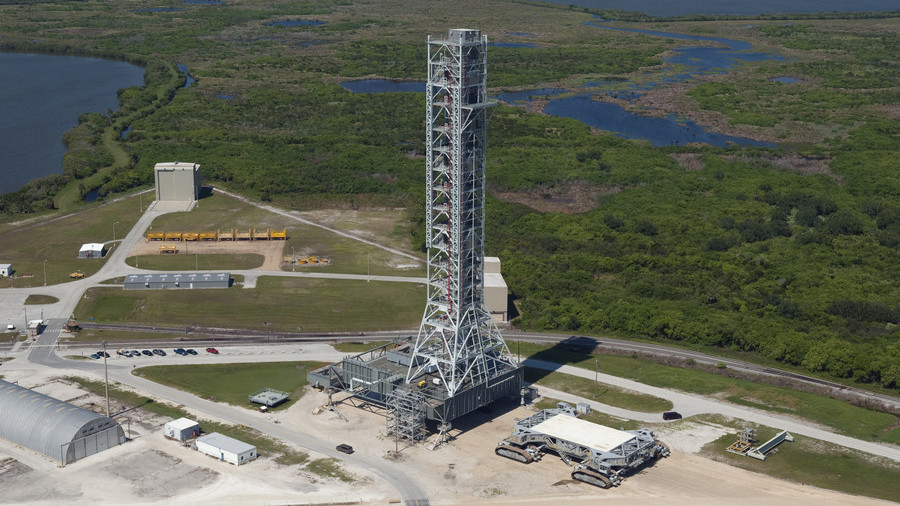 NASA's $1 Billion 'Leaning' Mobile Launcher Might Only Ever Be Used Once