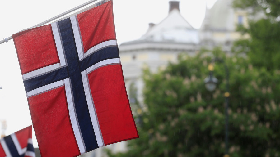 Seattle author mistakes Norwegian flag for Confederate flag, alerts local newspaper