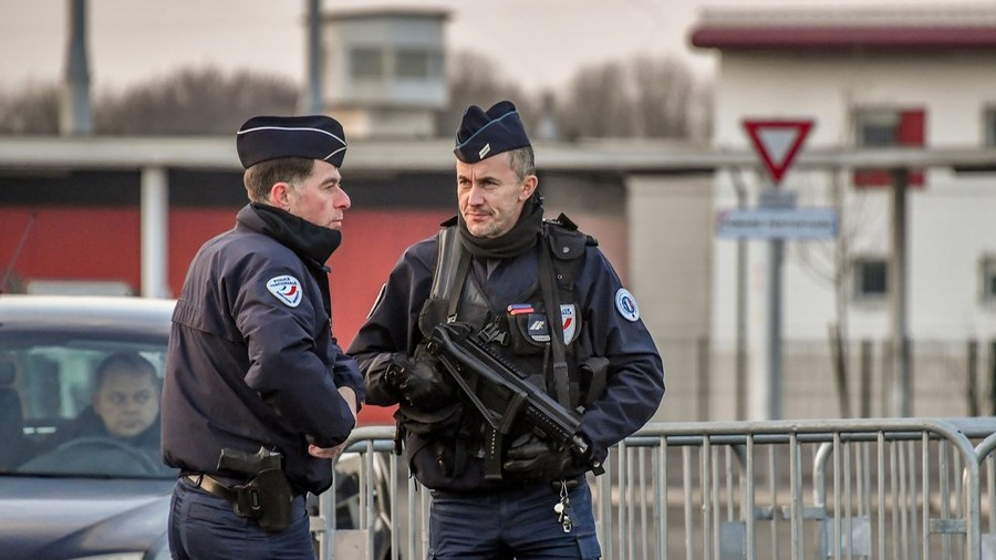 2 attacks thwarted & 3 mosques closed in terrorism crackdown – French interior minister