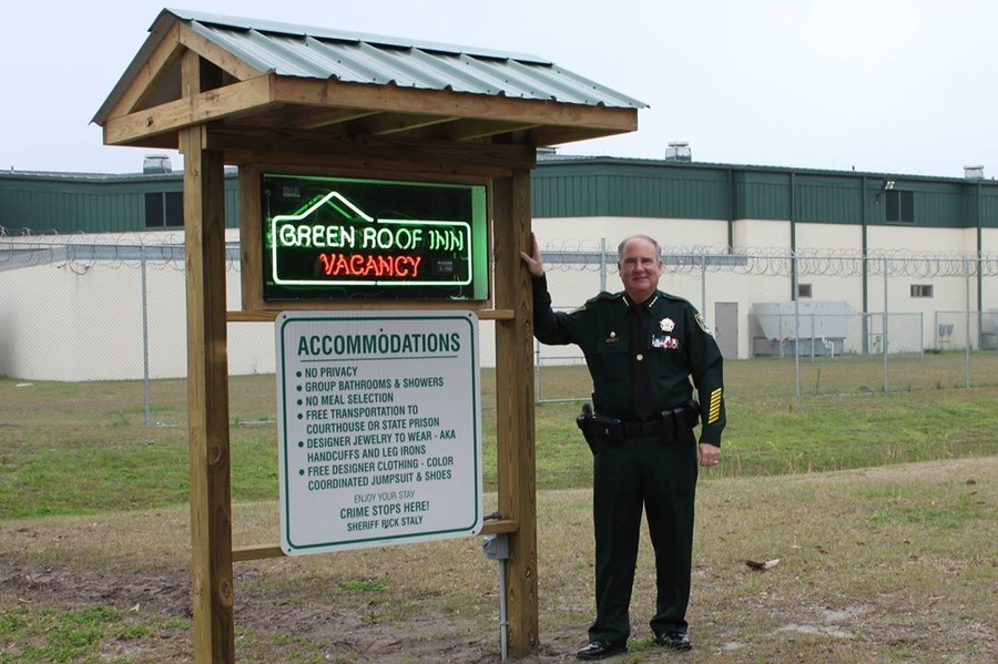 Don't stay at 'Green Roof Inn,' Florida sheriff warns