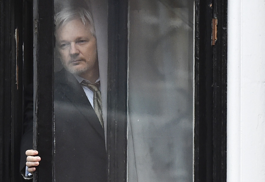 UK prosecutors pressed Sweden not to drop Assange extradition in 2013 – report