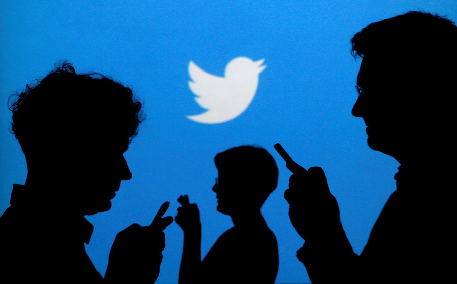'Mass censorship' v 'bot purge': Twitterati split over alleged crackdown on conservative voices