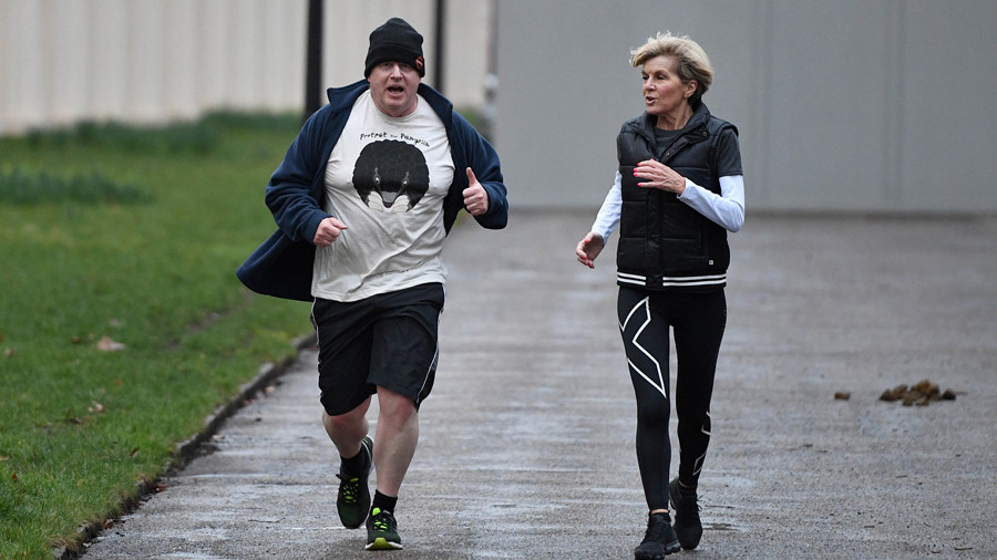Boris's secret-spilling jog the latest event in an inglorious sporting history (VIDEOS)