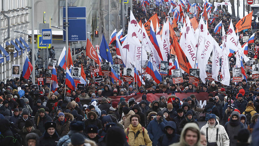 Thousands march in Moscow to commemorate slain politician Nemtsov