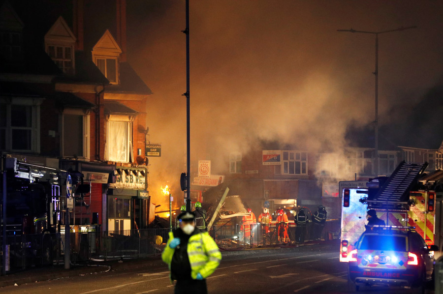 'Major incident': Multiple casualties as blast flattens store & home in Leicester, UK