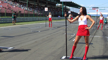 'Grid girls' v feminists: F1 models fight back after role scrapped