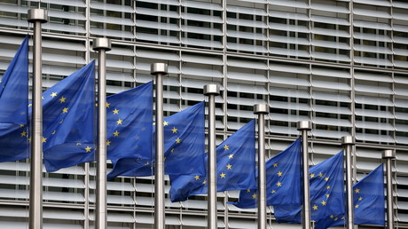 European Union flags flutter outside the EU Commission headquarters in Brussels © Francois Lenoir