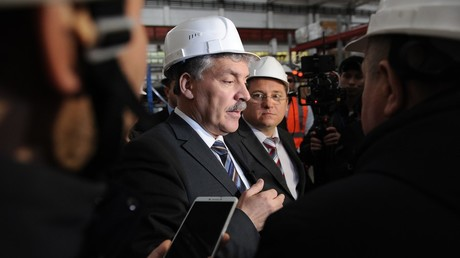 Pavel Grudinin, Russian presidential candidate from the Communist Party, talks with the press at the Klever plant of Rostselmash Company during his working trip to Rostov-on-Don © Sergey Pivovarov