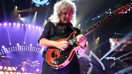 Rock legend Brian May on fighting money with arts & the largest US attack on Syrian Forces (E573)