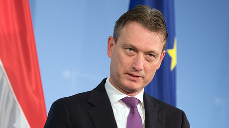 Dutch FM resigns after admitting lie about meeting Putin