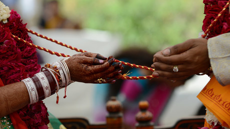 Indian woman arrested after posing as man & marrying 2 females for dowries