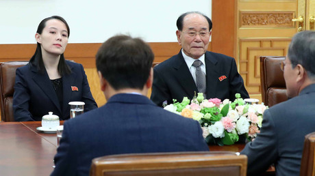 South Korea's President Moon Jae-in talks with Kim Yo Jong, North Korean leader Kim Jong Un's sister, and North Korea's ceremonial head of state Kim Yong Nam, February 10, 2018. © AFP