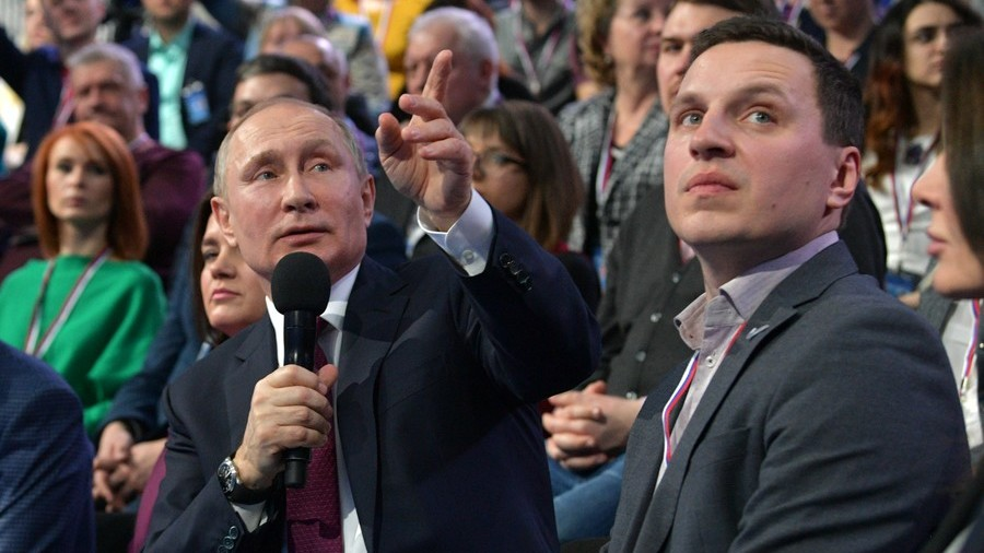 What would time-travelling Putin do? 'Prevent USSR's collapse'