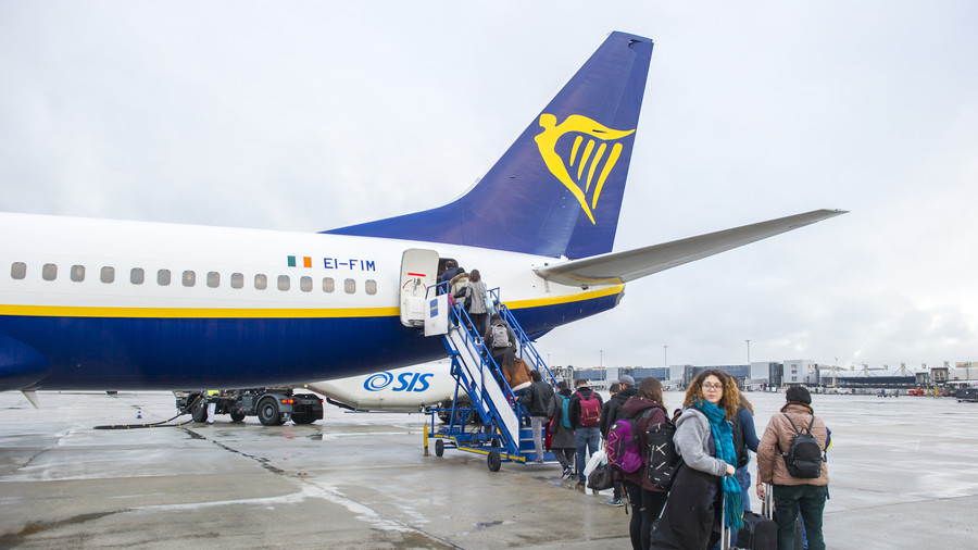 Flyer, beware! Brexit no-flight warning planned on Ryanair tickets