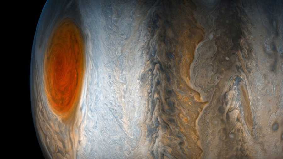 Red alert: Jupiter's ancient storm turning orange & changing shape (VIDEO)