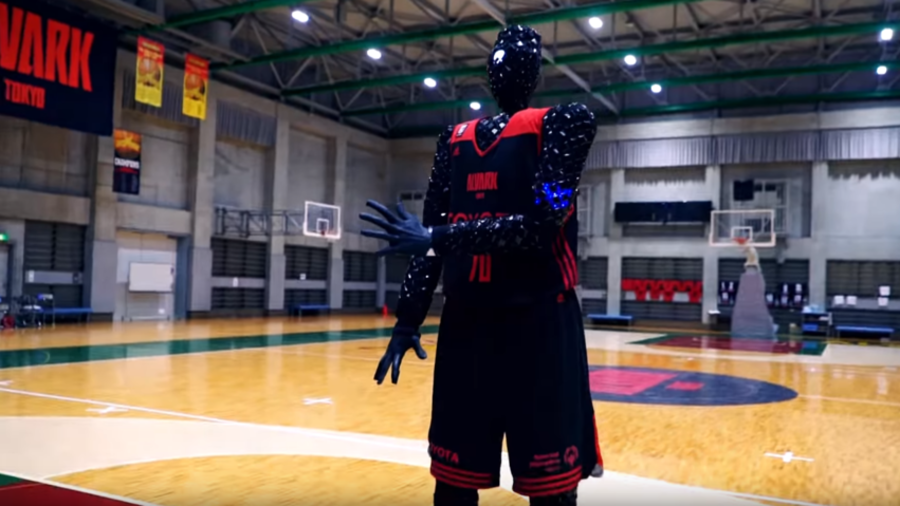 Nothin' but net: Basketball robot beats pro players in shooting contest (VIDEO)