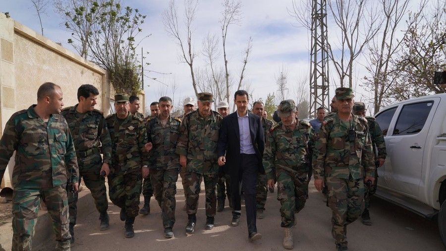 Assad visits troops and civilians in eastern Ghouta (PHOTOS, VIDEO)