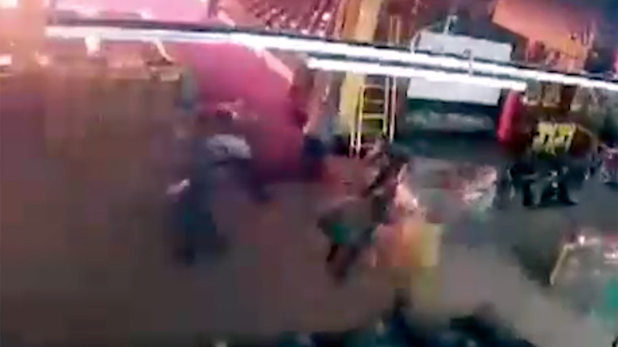 VIDEO of moment blaze begins at busy shopping mall in Russia's Kemerovo