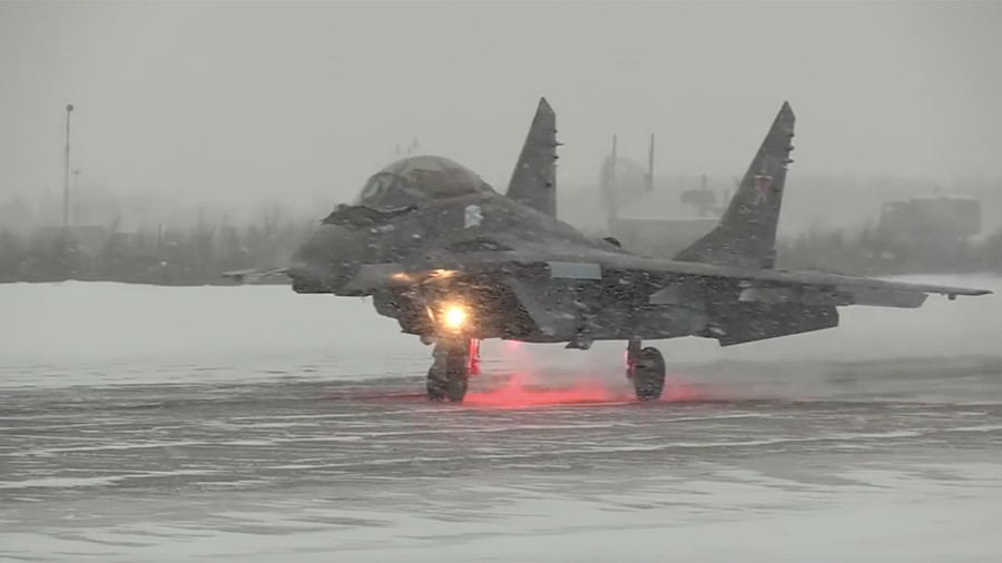 Russia's Northern Fleet fighter jets hone combat skills in harsh Arctic climate (VIDEO)