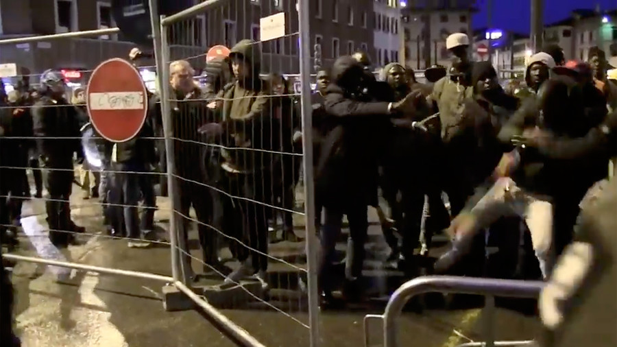 Violent protests sweep Madrid over death of Senegalese migrant 'found by police' (VIDEOS)