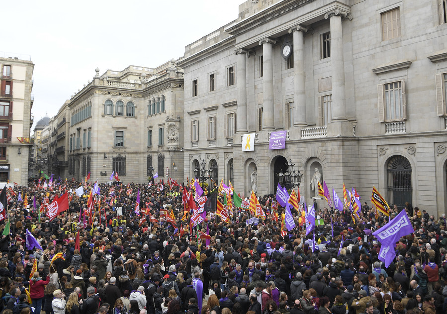 Spain: Women workers on strike