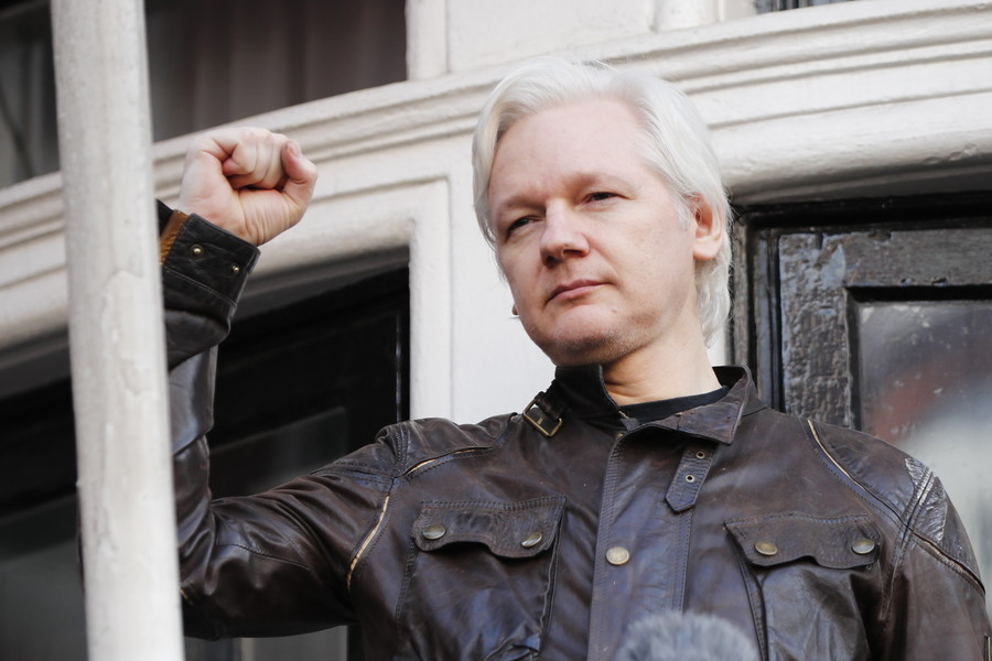 Assange's internet connection cut following 'agreement breach' – Ecuador