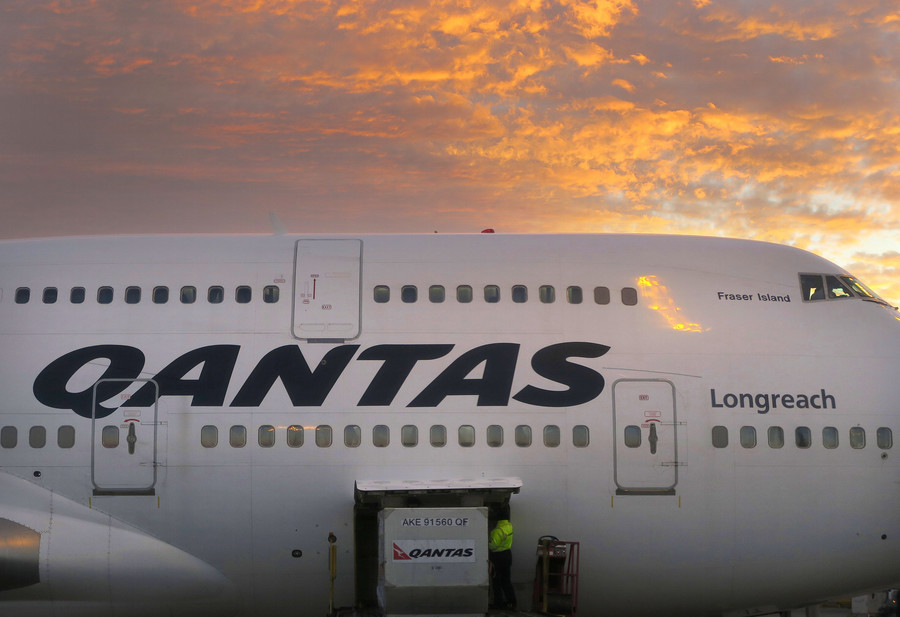 Aussie airline bans staff from using 'gender-inappropriate' language