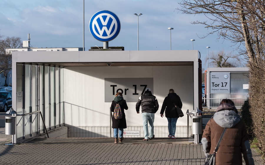 Volkswagen ordered to rehire employee suspected of trying to join ISIS