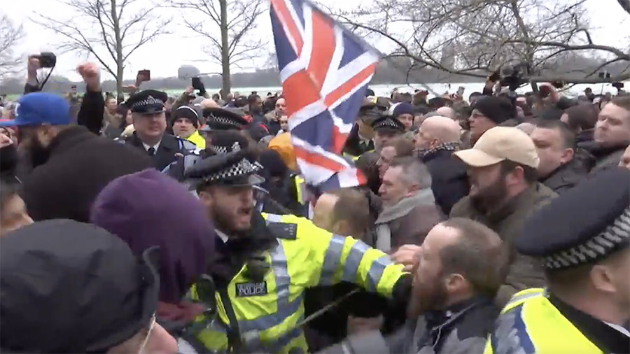 Violence breaks out at Tommy Robinson's 'free speech' rally (VIDEO)