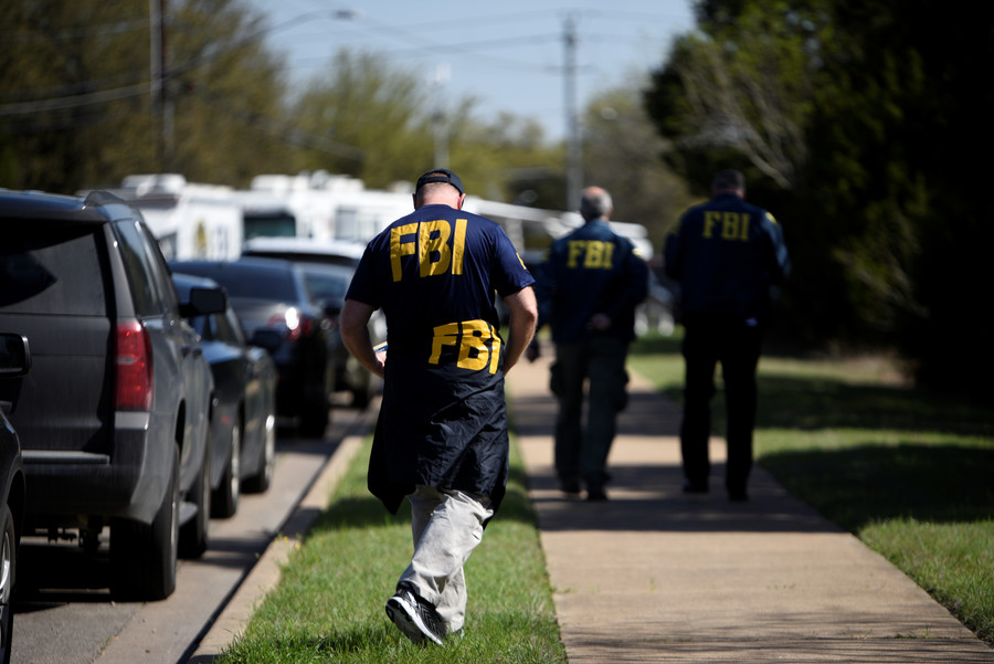 FBI removes explosives from Texas bombing suspect's house