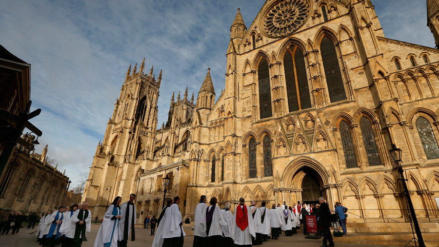 Church of England gives blessing to Apple Pay