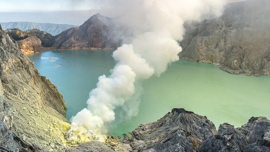 Volcano spews toxic gas cloud, scores hospitalized & forced to flee