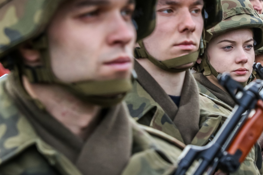 Battle of the sexes: Female soldiers more robust than men, Norwegian study finds