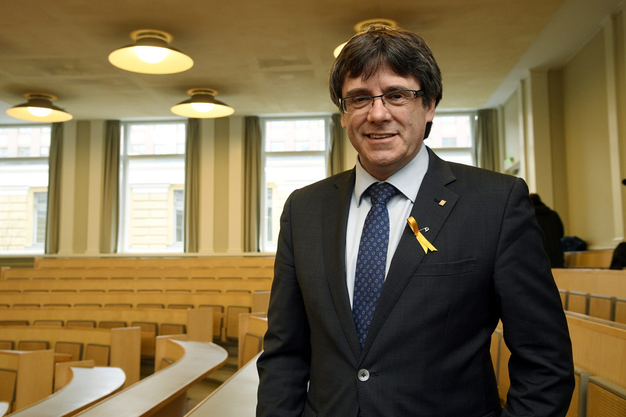 Ex-Catalan leader Carles Puigdemont detained in Germany