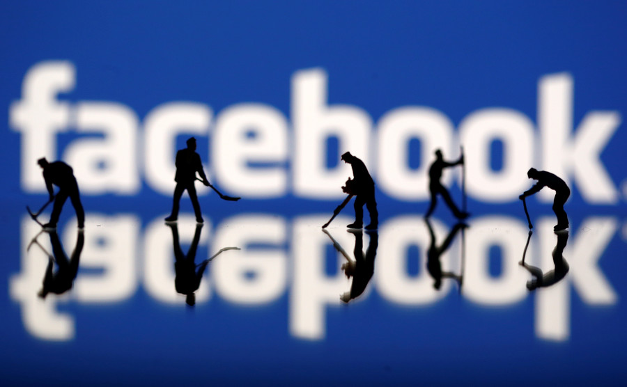 Russia blasts Facebook's 'totalitarianism & censorship' after 270 accounts banned for no reason
