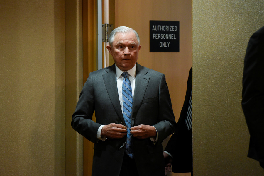 Sessions names federal prosecutor for FBI & DOJ probe, but no special counsel