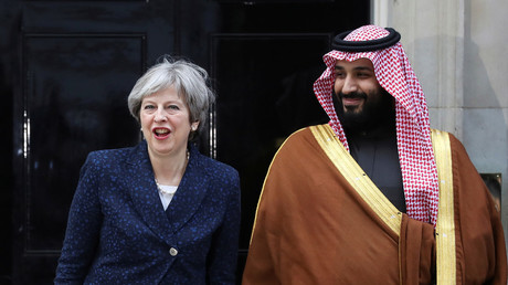 Saudi prince met by hundreds of protesters on arriving at Downing Street to meet PM (VIDEOS)